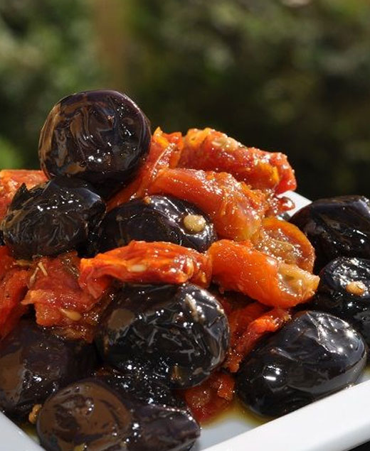 Black Olive With Tomatoes Filled